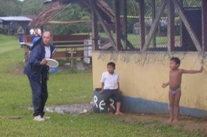 David showing the Ngobe Bugle boys how to play frisbee