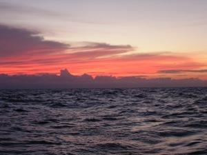 Underway to Vivorillos, Honduras ... Red Sky at Night, Sailor's Delight