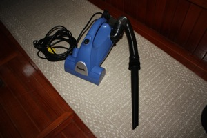 Shark Vac With Extension Tool Attached, the Hose Stays on the Vac