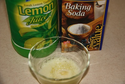 Lemon Juice & Baking Soda ... Almost Volcanic!