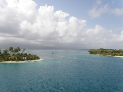 Bruadair anchored in Esnadup, San Blas Islands (photo taken from the top of Winterlude's mast!)