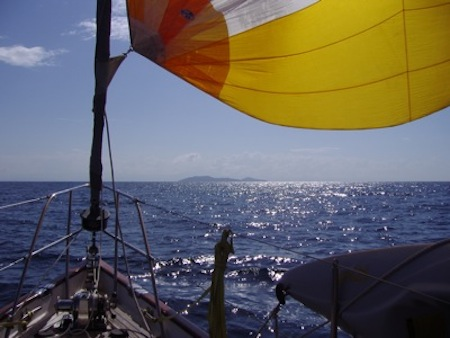 Aaaahhh, Cayos Cochinos, a National Park in Honduras, in the distance.  What a memorable sail!