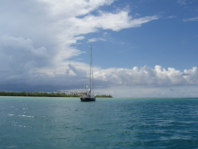 Anchored far from communications in the Holendes Cayes, San Blas Islands