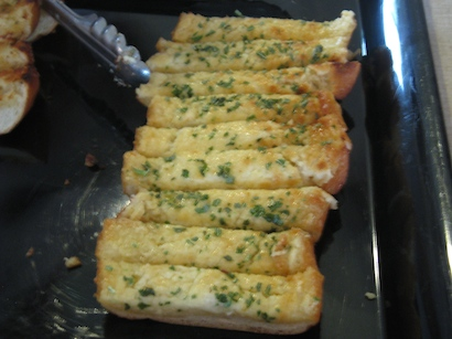 Killer Garlic Bread almost disappeared before I could get a photo on the Welcome Aboard Buffet at the Y Flyer National Championships last week!