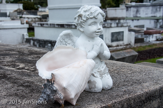 A stroll through the Key West Cemetary is a trip back in time. The earliest gravestone is 1929, the latest, most recent 2016. 75,000 souls reside here, with only 26,000 residents in Key West!